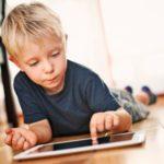 """Tablets y móviles: la nueva """"comida basura""""  para los pobres"""