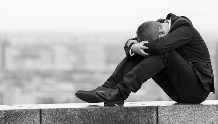 Falta voluntad política frente al suicidio